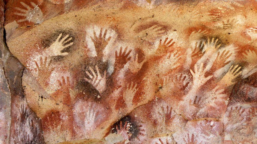 Hand-Stencils-Cueva-de-las-Manos_visual_storytelling